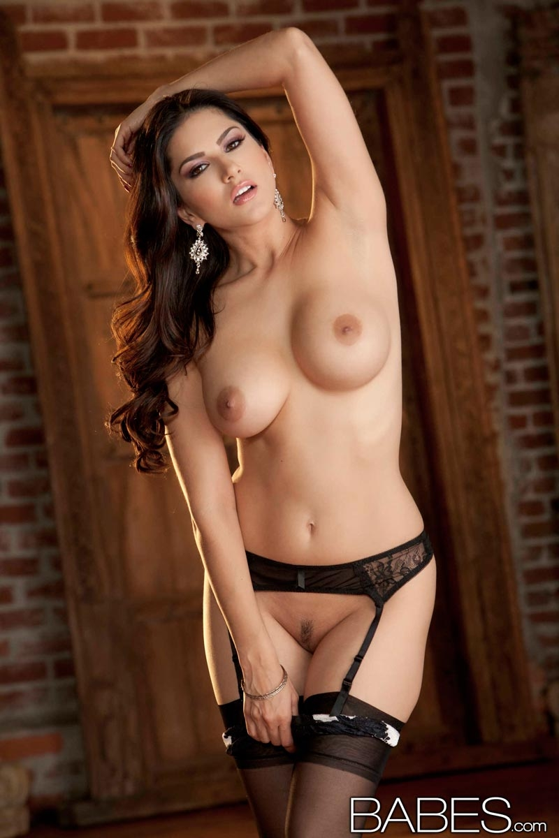 Consider, that Sunny leone naked and in hot lingerie consider