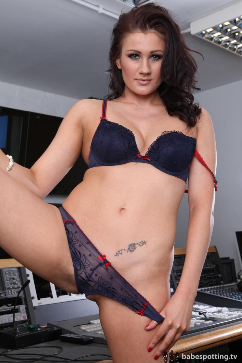 babe striptease Sexy