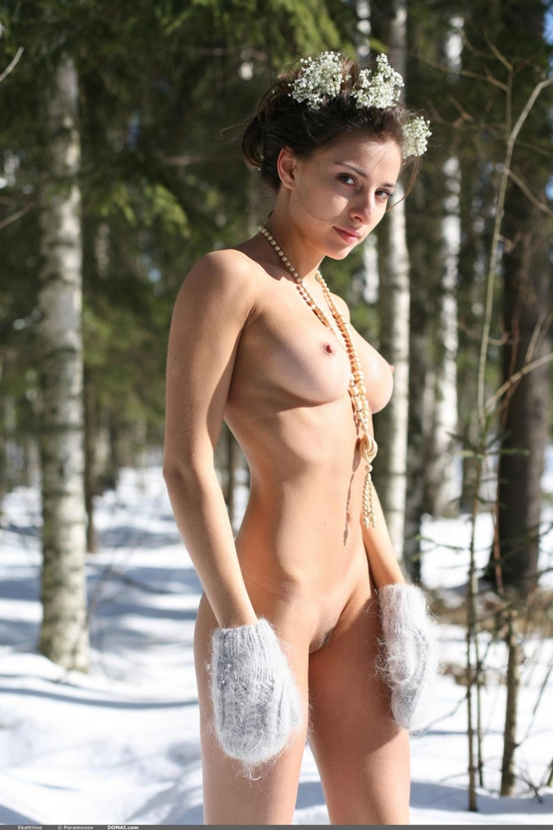 naked Snow babe
