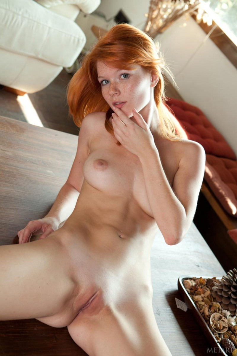 Free links natural nude redhead woman