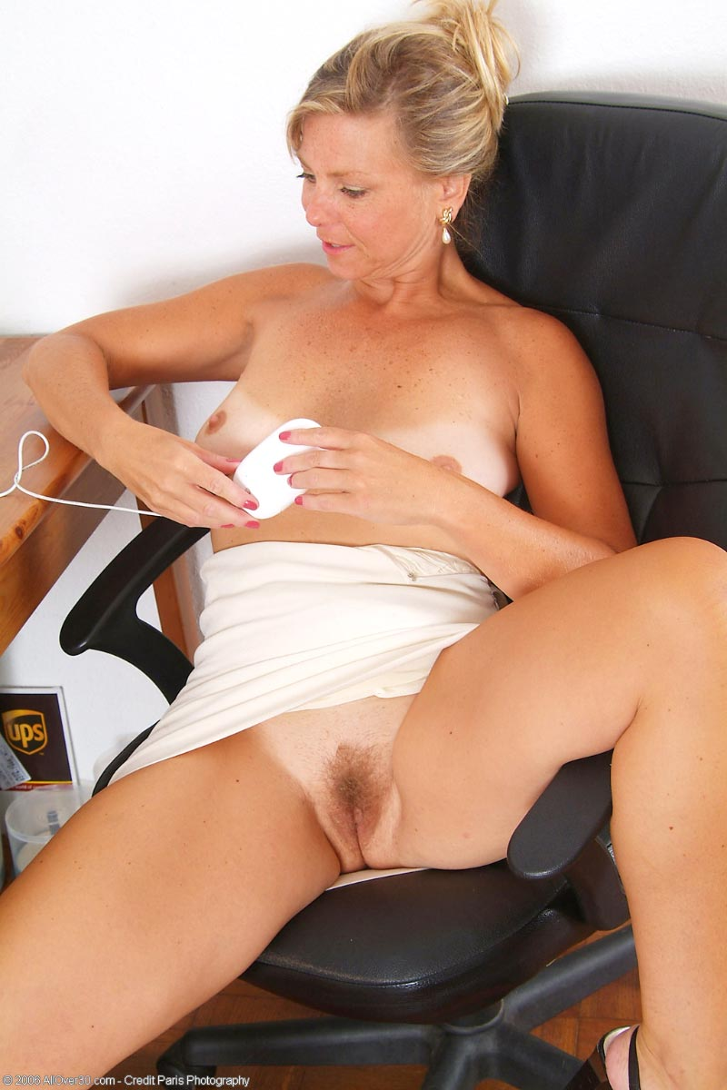 Cricket mature nude pictures