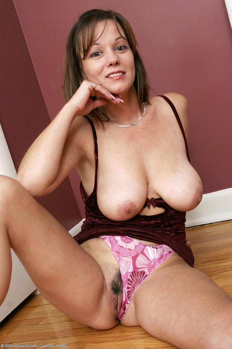 All Natural Milf Pics