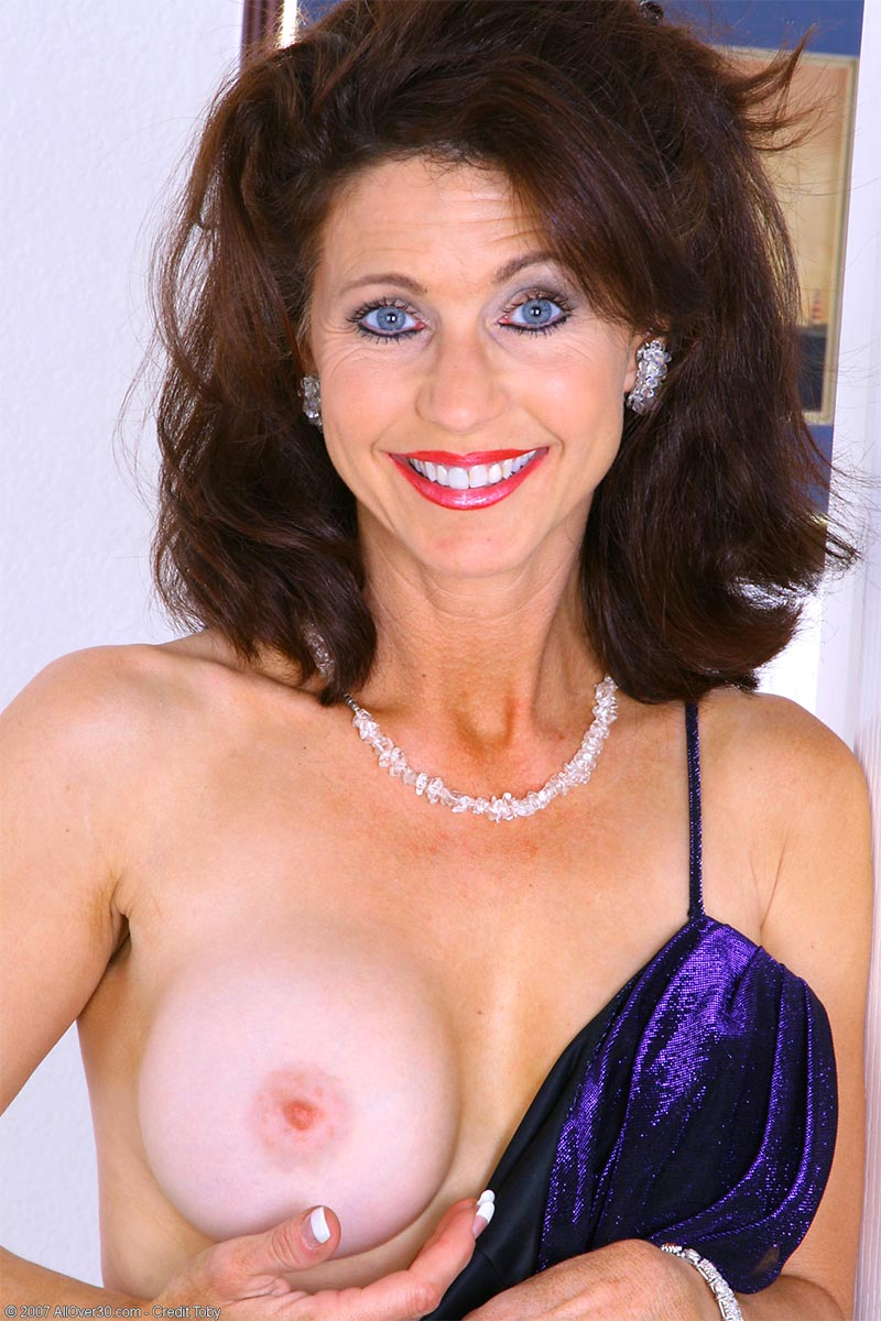 Over 40 Milfs Pictures