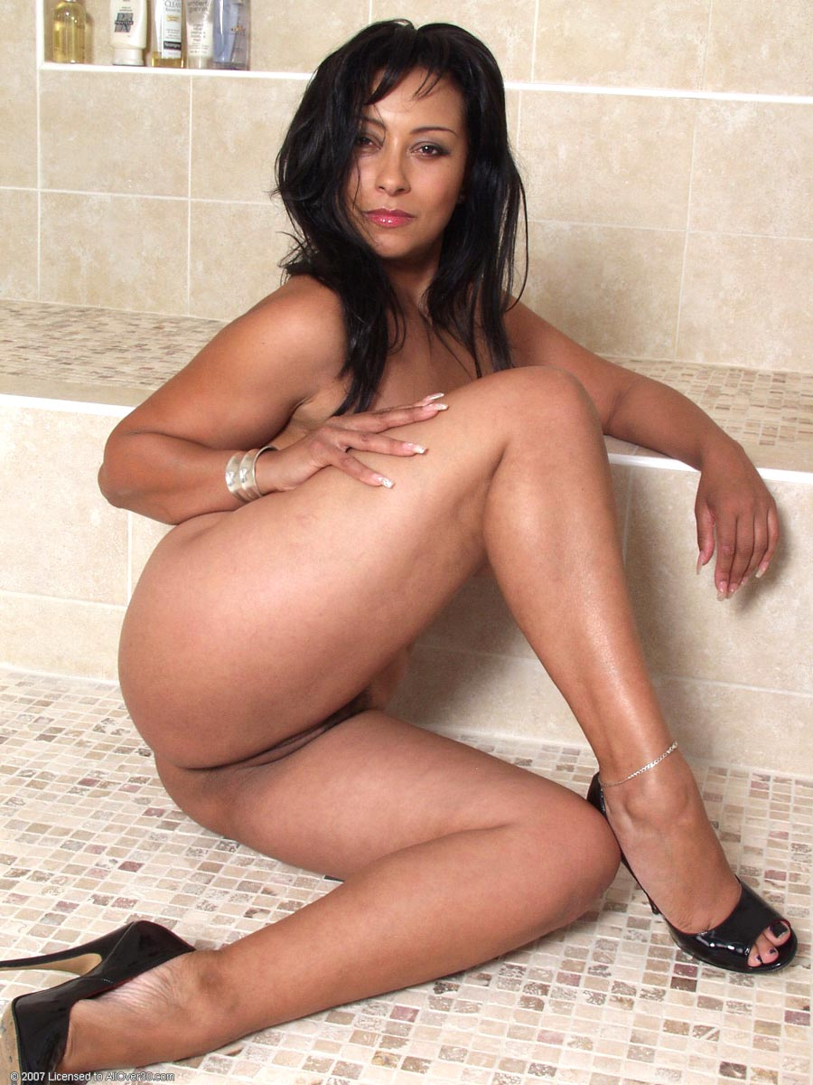 Naked Hot latin moms