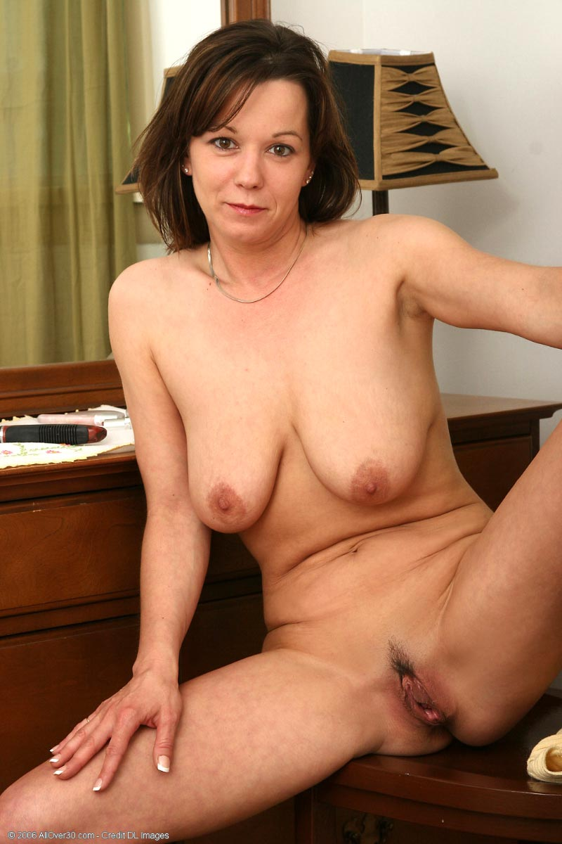 milf homemade striptease