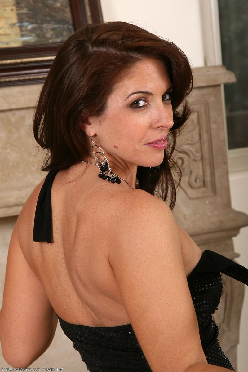 tight bodied brunette milf strips off her dress