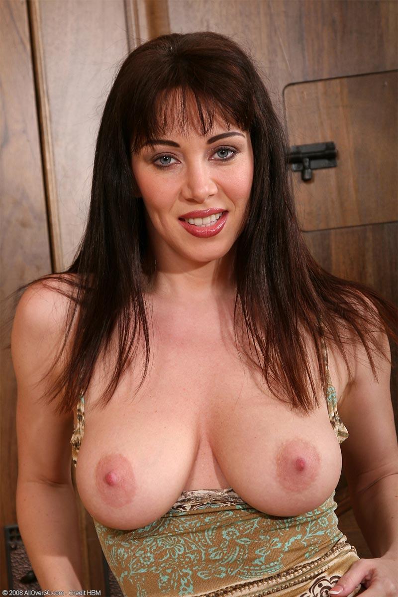 Naked big hip girl