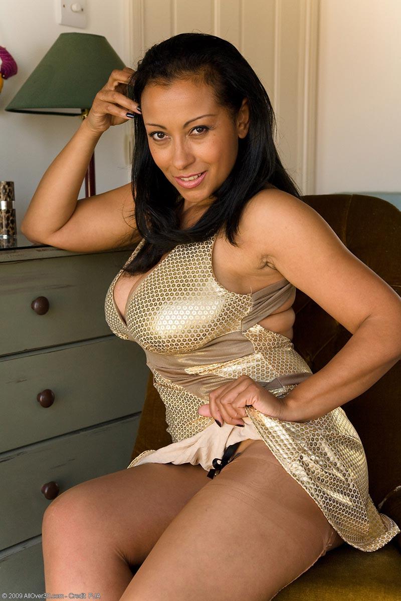 mature milf donna Ambrose