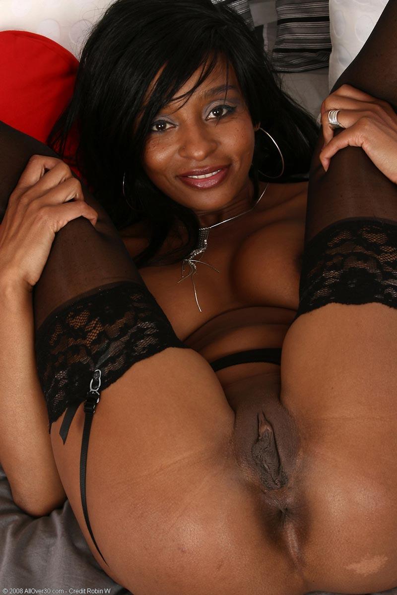 Ebony milf lala