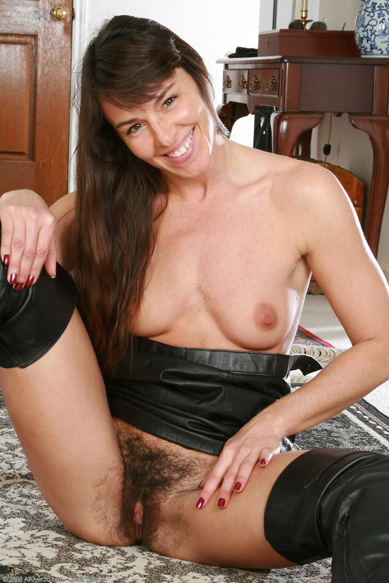 get more of this milf hottie at allover30!