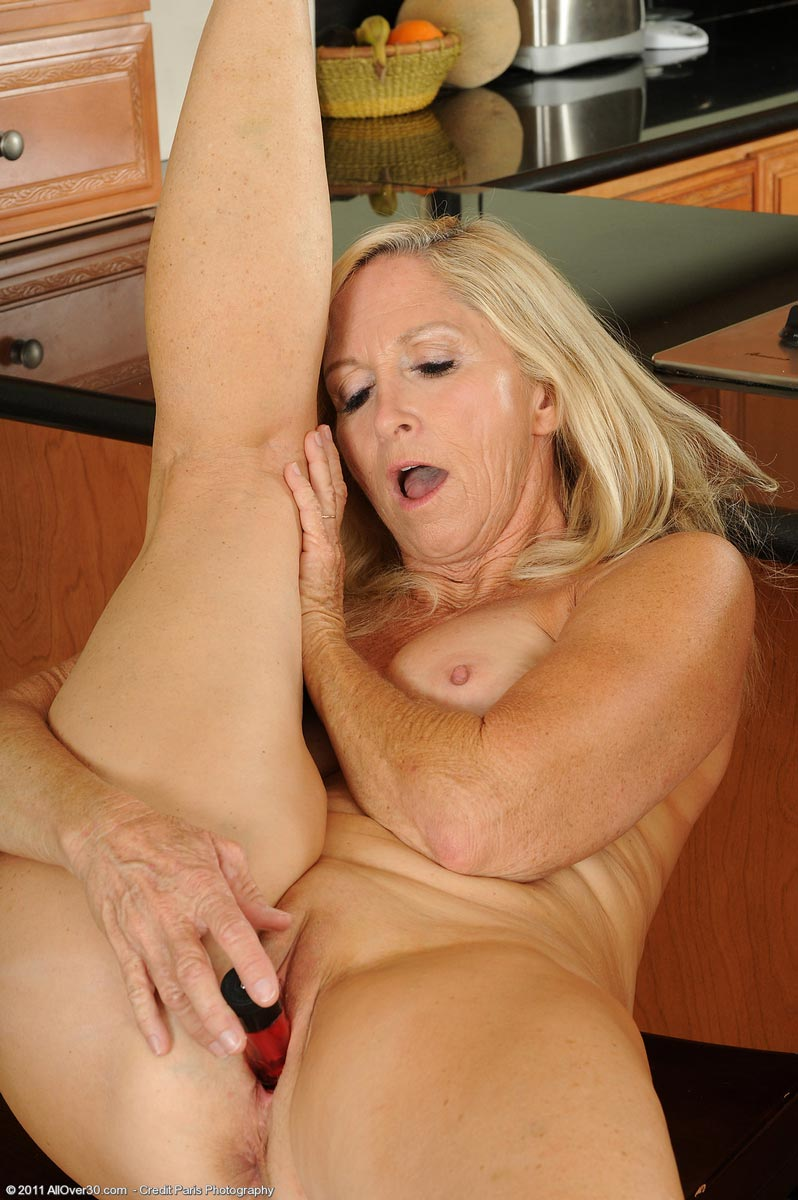 tug job huge insertion