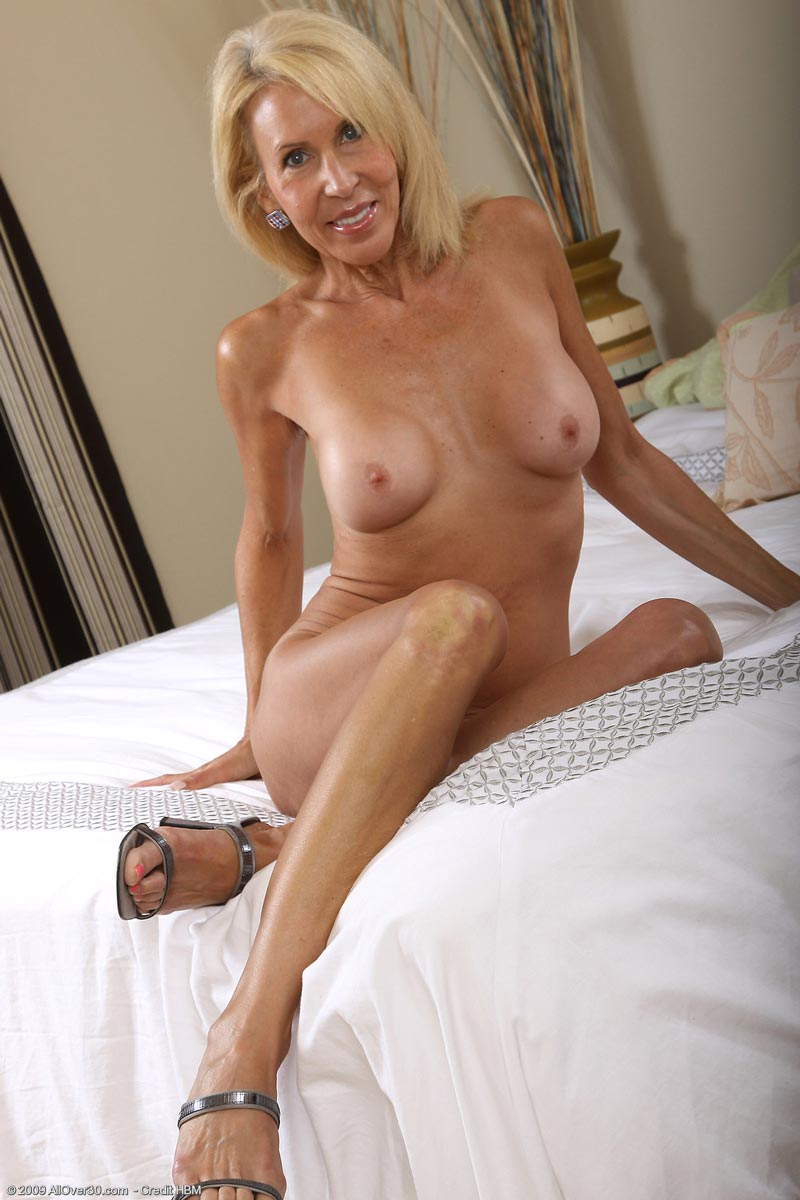 Let's Mature milf bedroom nudes accept. The