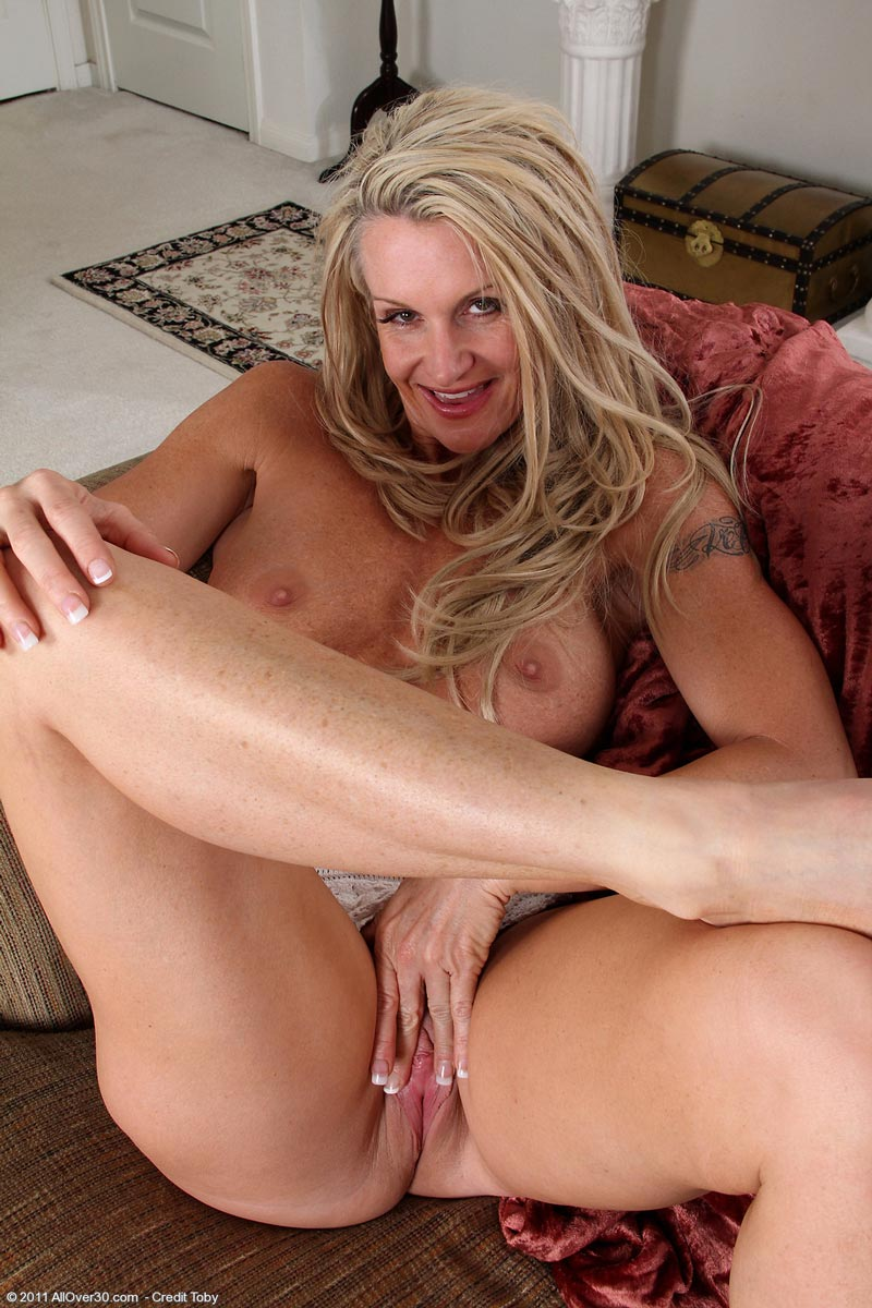 Thank for Housewife milf mpegs share your