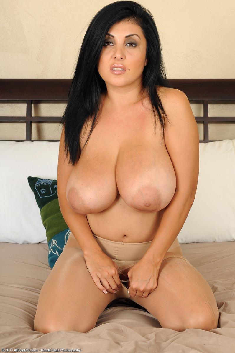 actress nadhiya nude