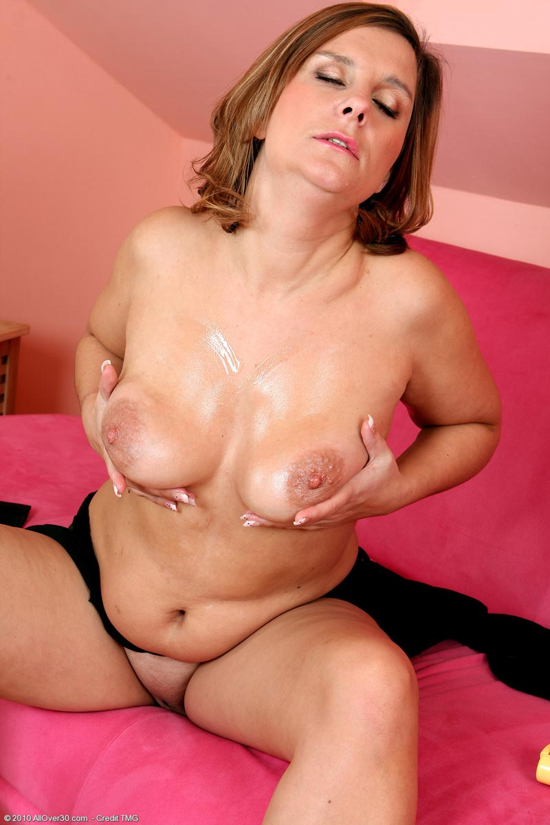 image Big tits milf horny for toy sex google plushcam to play asap