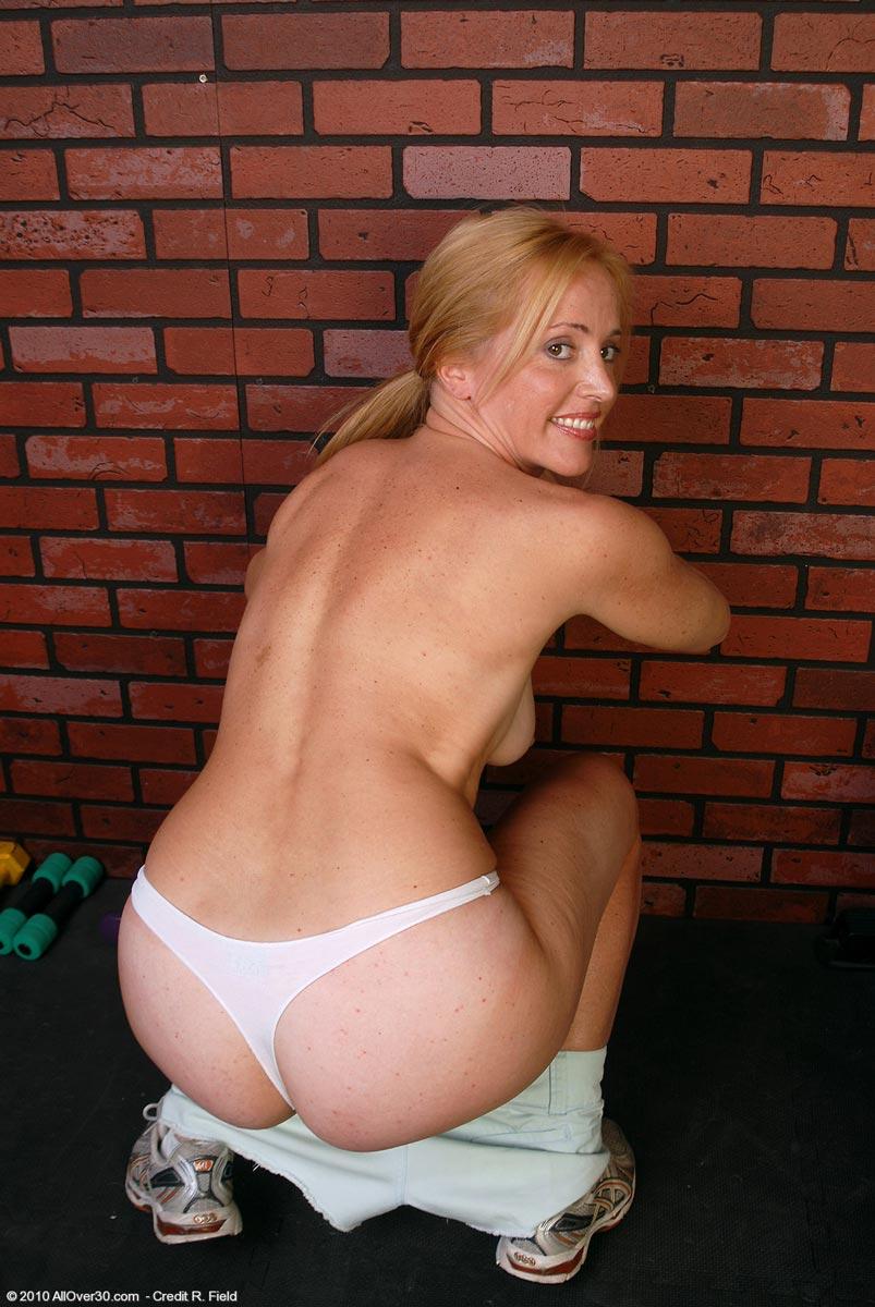 sexy nude mila kunis