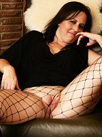 Hot round ass mature in pantyhose from All Over 30