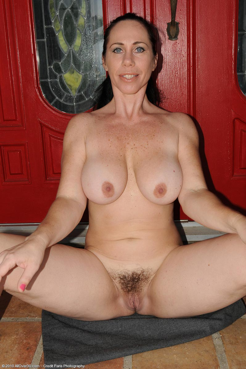 Mature women cream pies