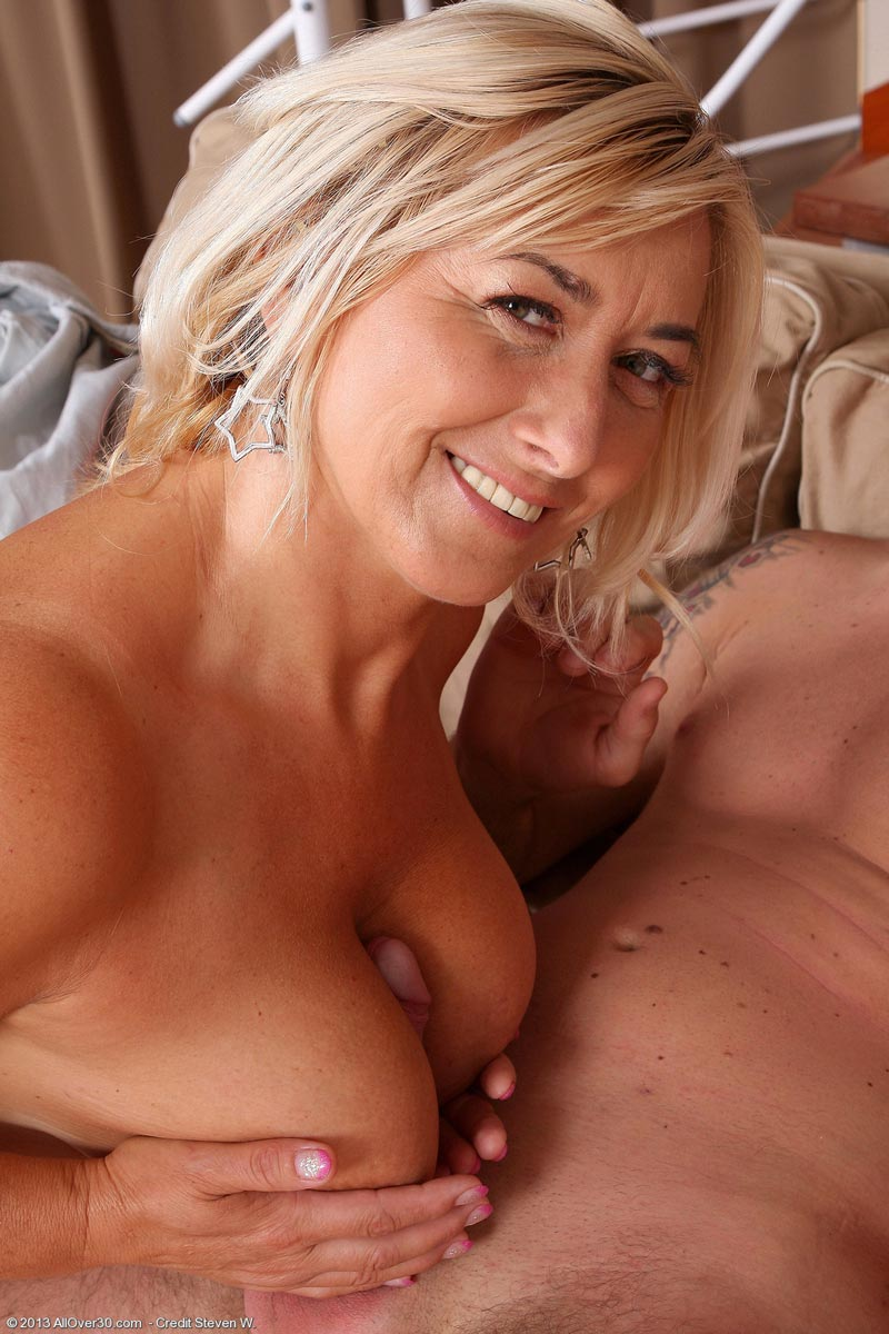 lesbian porno photo