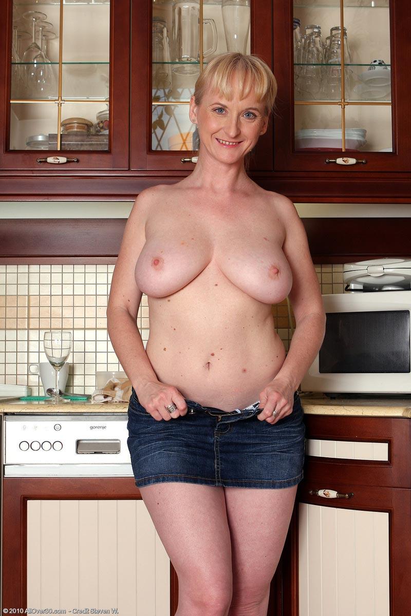 Amateur cuckold wife interracial bbc