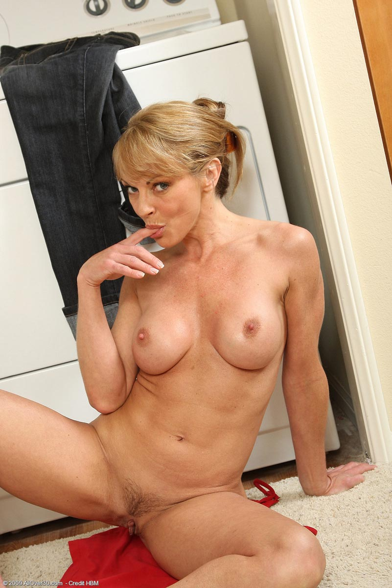 Nude Moms And Naked Sexu