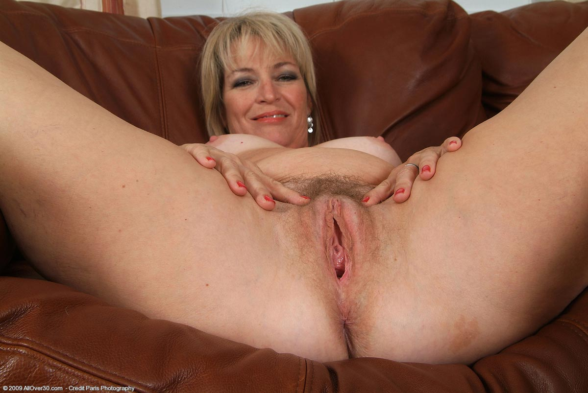 hightie mature older