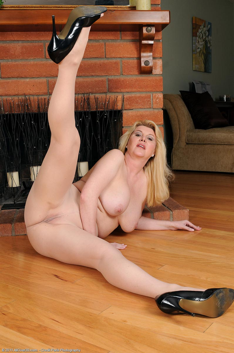 My wife poses nude during a photo session 7