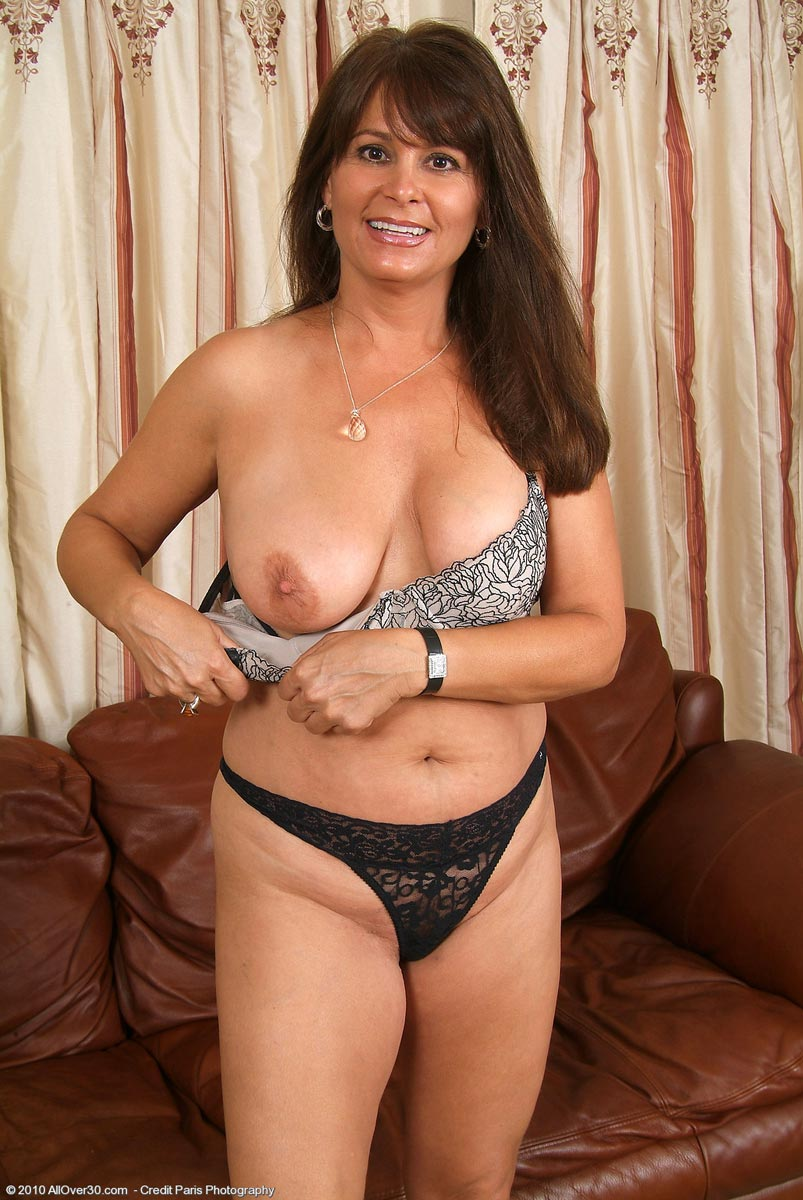 all natural busty moms - porn galleries