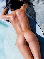 Busty wet bikini babe ashlee lynn